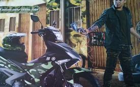 """Tuấn Hưng xuất hiện bên Yamaha Exciter 150 phiên bản """"rằn ri"""" lạ mắt"""