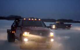 Chrysler dùng máy tạo bão tuyết để test xe