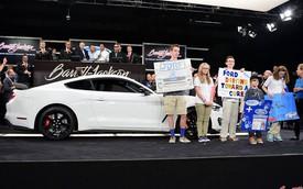 Trả 1 triệu USD để mua Shelby GT350R Mustang đầu tiên xuất xưởng