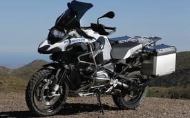 """Xe việt dã BMW R1200GS tiếp tục là """"thần tài"""" của BMW Motorrad"""