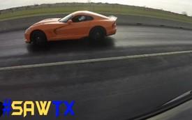 """Siêu cơ bắp Challenger SRT Hellcat bị Viper đánh bại khi """"đề-pa"""""""
