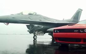 Siêu cơ bắp mạnh nhất Dodge Challenger SRT Hellcat đua với chiến đấu cơ F16