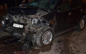 Hiện trường vụ ôtô 7 chỗ vượt đèn đỏ đâm xe bán tải