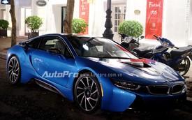 """""""Bắt sống"""" BMW i8 xanh ngọc độc nhất tại Hà Nội"""
