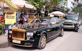 Cận cảnh cặp đôi Rolls-Royce Phantom và Hummer H2 mạ vàng tại Hà Nội