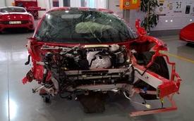 """Không thể tin nổi: Ferrari 458 Speciale """"mất đầu"""" vẫn có giá 1,5 tỷ Đồng"""