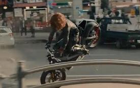"""Góa phụ đen"" Scarlett Johansson biểu diễn Harley-Davidson LiveWire"