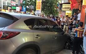 Mazda CX-5 gây tai nạn liên hoàn trên phố Kim Mã, Hà Nội