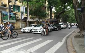 Tuyến phố Hà Nội khiến người lái ô tô buộc phải vi phạm luật