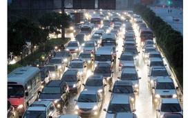 Báo Tây: Tăng thuế không làm giảm đà tăng trưởng của Mercedes, Rolls-Royce, Bentley... tại Việt Nam