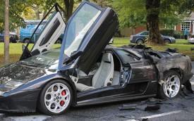 Hàng độc Lamborghini Diablo VT bùng cháy giữa đường