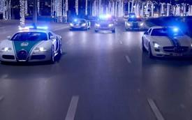 Cảnh sát Dubai lại khoe dàn siêu xe khủng