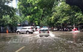 """Cách giữ xe """"sống sót"""" qua thời tiết mưa lớn, ngập nước"""