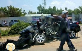 Nóng trong ngày: Xe giường nằm đâm nát Toyota Camry, 4 người tử vong