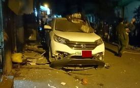 Honda CRV nổ tung trong đêm, cả khu phố tháo chạy
