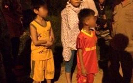Bắt quả tang 2 trẻ em ném đá vào xe khách