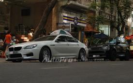Bộ đôi xe sang biển đẹp trên phố Sài Thành