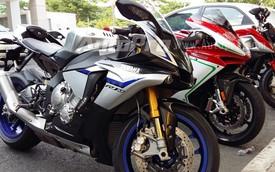 Chi tiết nhất về siêu môtô Yamaha R1M 2015 đầu tiên xuất hiện tại Việt Nam