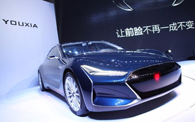 Xe nhái Tesla model S pha lẫn phong cách Knight Rider của Trung Quốc