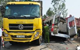 Tai nạn thảm khốc trên quốc lộ 1A làm 11 người thương vong