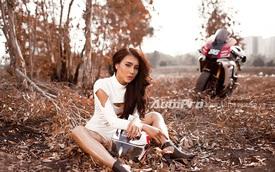 Người đẹp Việt khoe đường cong nóng bỏng bên Yamaha R1