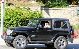 Mới 17 tuổi, quý tử nhà David Beckham đã có 2 ô tô riêng