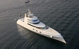 Siêu du thuyền 300 triệu USD của tỷ phú Nga dạo chơi trên sông Thame