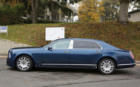 Bentley Mulsanne phiên bản kéo dài trần trụi trên đường thử