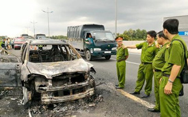 Chevrolet Captiva cháy trơ khung trên cao tốc Trung Lương