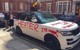 """Cô nàng Hoạn Thư """"viết bậy"""" lên xe Range Rover để trả thù bạn trai phản bội"""