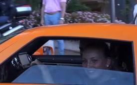 """""""Hot girl"""" lái siêu xe Gumpert Apollo S khiến ai cũng phải ngoái nhìn"""