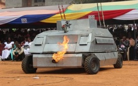 Khám phá chiếc xe bọc thép kỳ dị do bộ trưởng Ghana chế tạo
