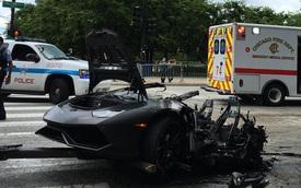 Hãi hùng với cảnh siêu xe Lamborghini Huracan xẻ làm đôi và bốc cháy
