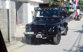 Bắt gặp Land Rover Defender 2,8 tỷ Đồng dành riêng cho Việt Nam trên đường phố