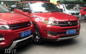 """Tai nạn hy hữu giữa Range Rover Evoque """"xịn"""" và """"nhái"""""""