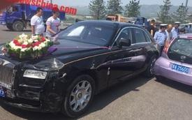"""Rolls-Royce Ghost va chạm với xe giá """"bèo"""" BYD F0 trên đường đi đón dâu"""
