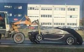 Chiếc siêu xe Bugatti Chiron đầu tiên trên thế giới gặp nạn