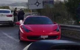 Tiền đạo Neymar gặp tai nạn khi lái siêu xe Ferrari 458 Spider đến sân tập