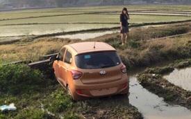 """Hyundai Grand i10 chưa có biển """"cày ruộng"""" ngày đầu năm"""