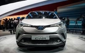 Crossover cỡ nhỏ Toyota C-HR bắt đầu được bày bán vào cuối năm nay