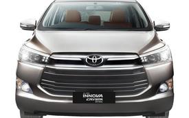 Toyota Innova Crysta máy xăng có giá khởi điểm 457 triệu Đồng