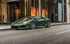 Cận cảnh vẻ đẹp của Lamborghini Huracan màu xanh lục cực hiếm