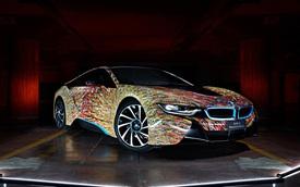 """BMW i8 khoác áo """"ánh sáng đường phố"""""""