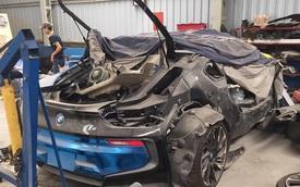 """Bất ngờ trước hình ảnh """"tang thương"""" của BMW i8 xanh ngọc độc nhất Việt Nam"""
