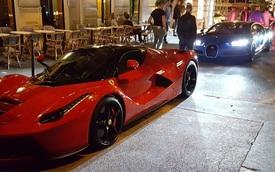 Bugatti Chiron của Hoàng tử Ả-Rập đọ dáng cùng Ferrari LaFerrari tại Pháp