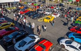Mùng 3 Tết cùng xem dàn siêu xe đầy màu sắc tụ tập tại Mỹ