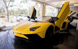 """Chiêm ngưỡng vẻ """"sexy"""" của Lamborghini Aventador SV mui trần giá 39 tỷ Đồng tại Việt Nam"""