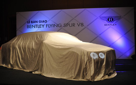 Chạy thuế, đại gia Hà Nội tậu Bentley Flying Spur V8