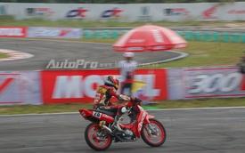 Tay đua 9X Bùi Duy Thông vô địch giải đua xe tại Bình Dương