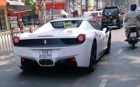 Ferrari 458 Spider của đại gia Trung Nguyên thay áo mới